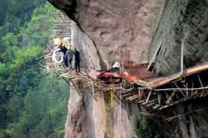 Building Roads - Mounting-pathway-Pingjiang-Hunan-province-China