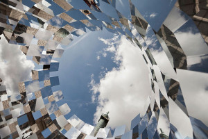 Mirror Installation-Paris' Place Vendome by-Arnaud-Lapierre-2
