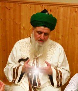 Shaykh Nurjan Mirahmadi making dua