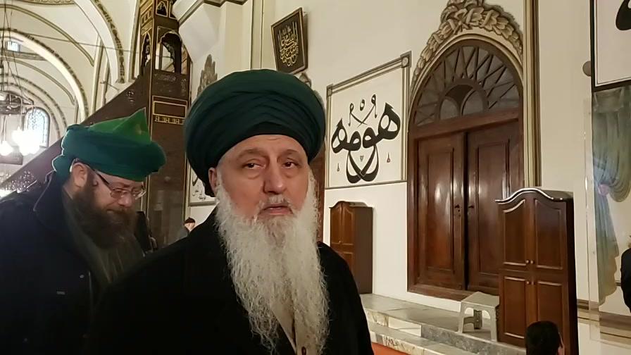 """ بِسْمِ ٱللّٰهِ ٱلرَّحْمَٰنِ ٱلرَّحِيم   ہم عظیم الشان مسجد (برصا) کے اندر ہ..."