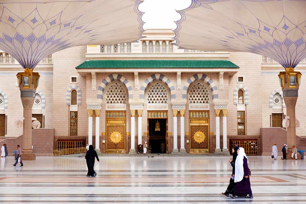 First ten days of Ramadan is Babur Rahmah (gate of mercy), Light of Sayedena Muh...