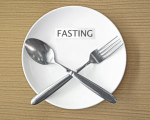fasting-empty-plate-cutlery