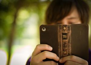 iPhone - reading like a bookbook-5
